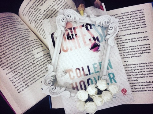 Resenha - Confesse / Colleen Hoouver